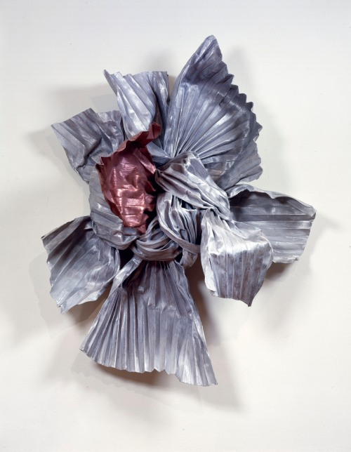Lynda Benglis, Eridanus, 1984. Bronze, zinc, copper, aluminum, wire, 58 x 48 x 27 in.; © Lynda Benglis; Licensed by VAGA, New York, NY