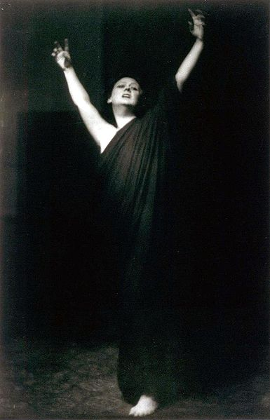 duncan women Isadora duncan isadora duncan  isadora was a champion in the struggle for women's rights many saw a glorious vision for the future in isadora's choreography.